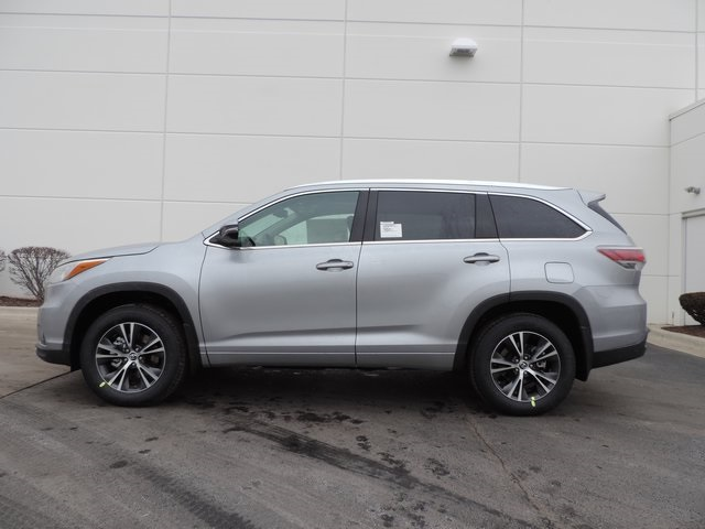 new 2016 toyota highlander xle v6 4d sport utility in naperville t22174 toyota of naperville. Black Bedroom Furniture Sets. Home Design Ideas