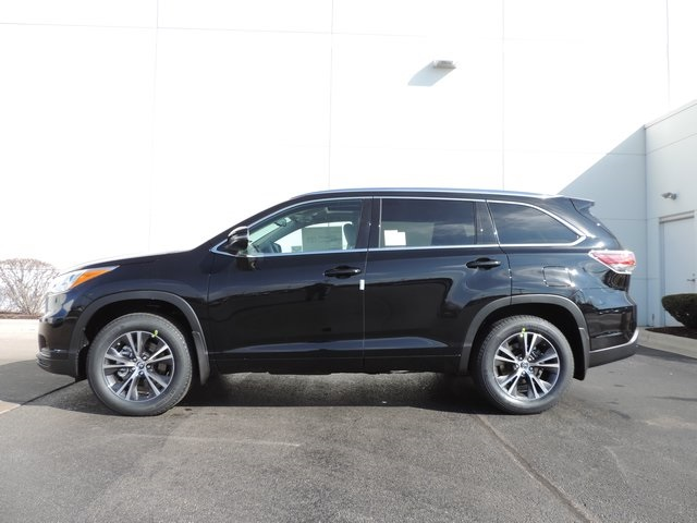 new 2016 toyota highlander xle v6 4d sport utility in naperville t22708 toyota of naperville. Black Bedroom Furniture Sets. Home Design Ideas